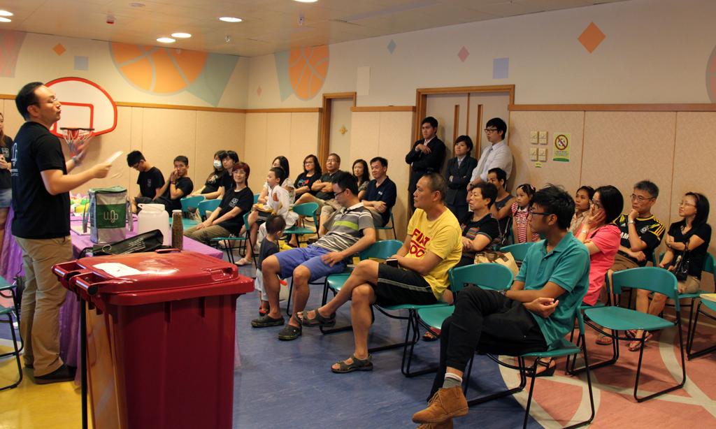 居民參加「世界綠色組織」的廚餘回收知識工作坊