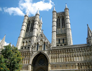 Through Gothic architectural style, understand post-modern architecture